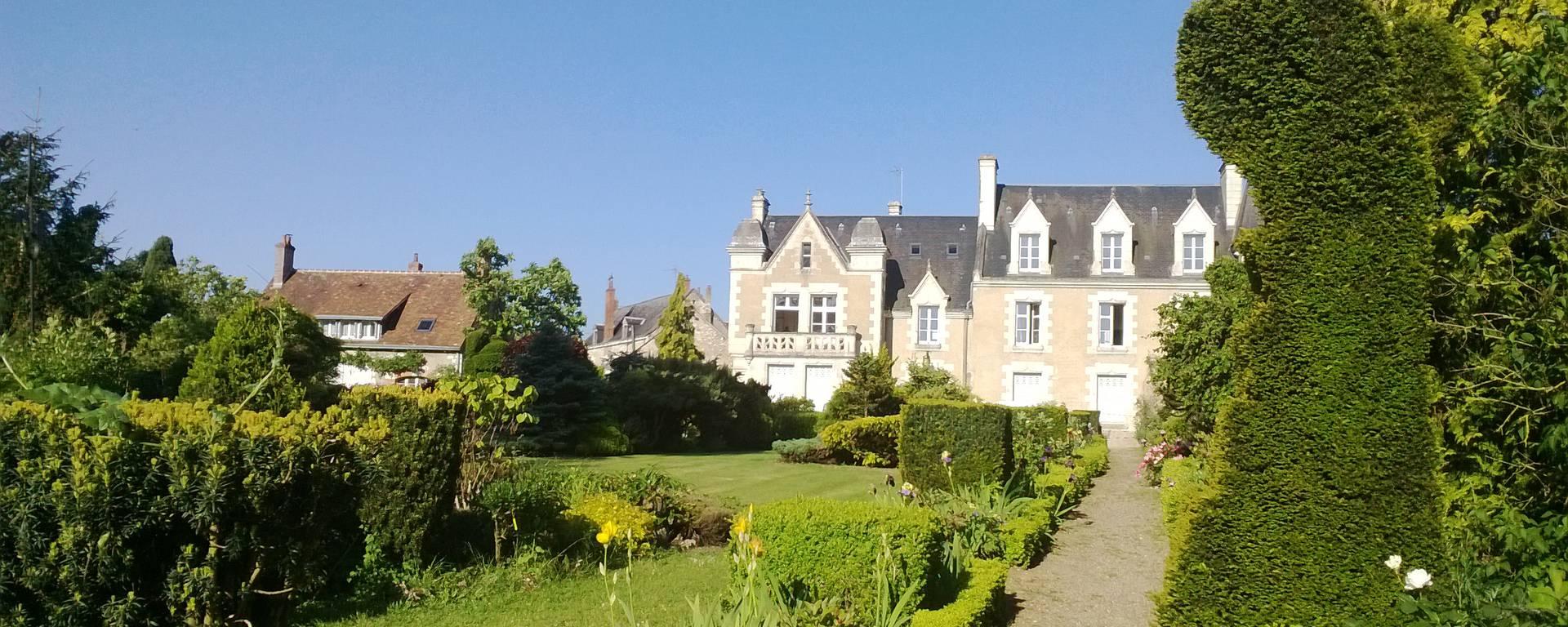 Il parco del priorato di Orchaise vicino a Blois