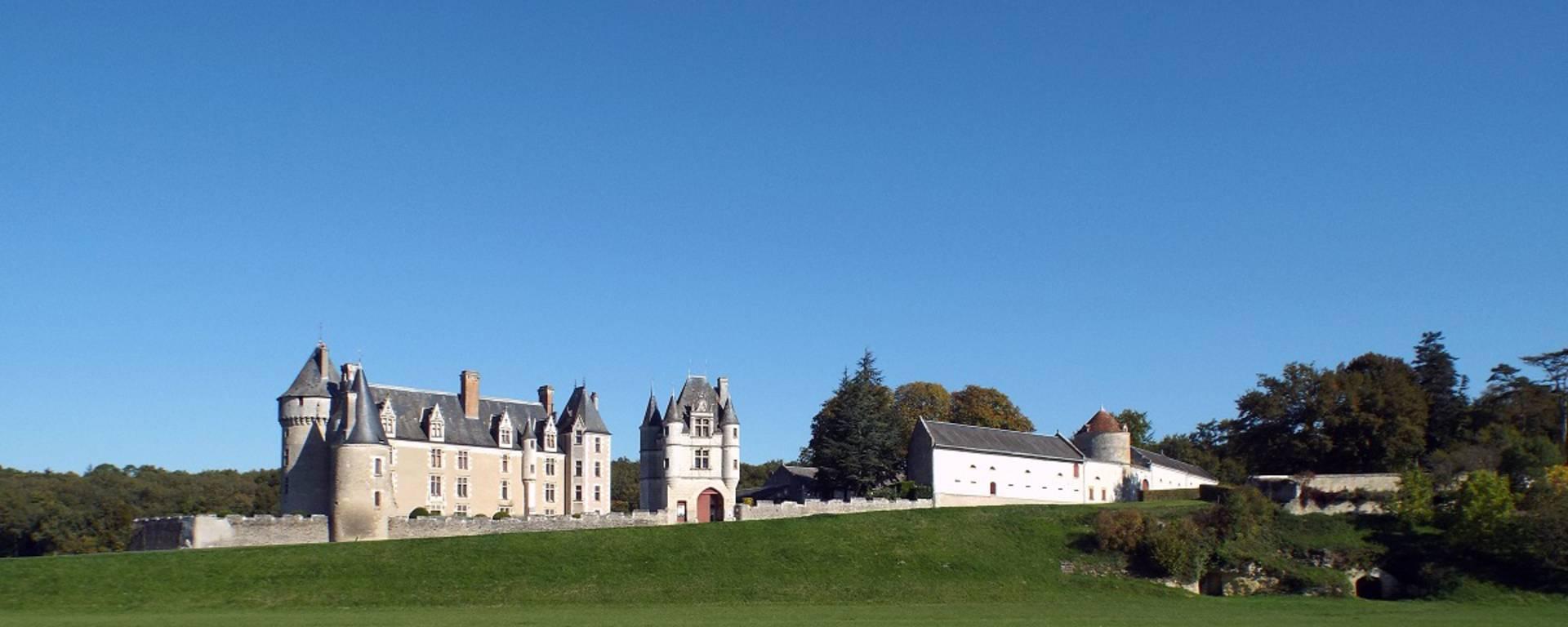 Vista esterna del castello di Montpoupon © OTBC