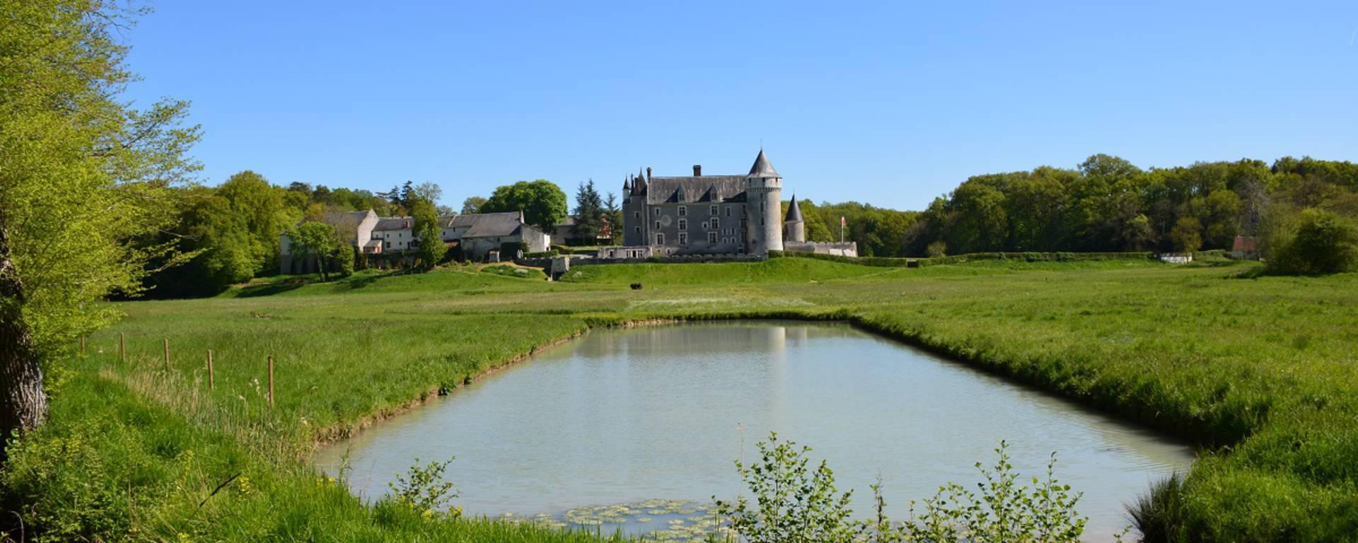 Specchio d'acqua al castello di Montpoupon © OTBC