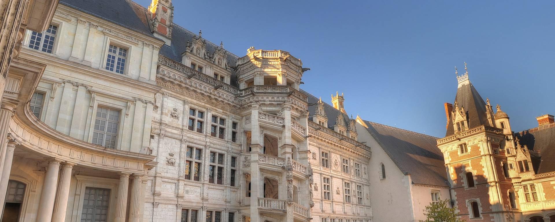 La scalinata Francesco I del castello di Blois. © Leonard de Serres