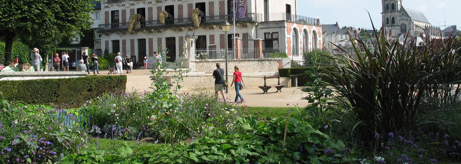 I giardini Saint-Sauveur e la Casa della Magia a Blois