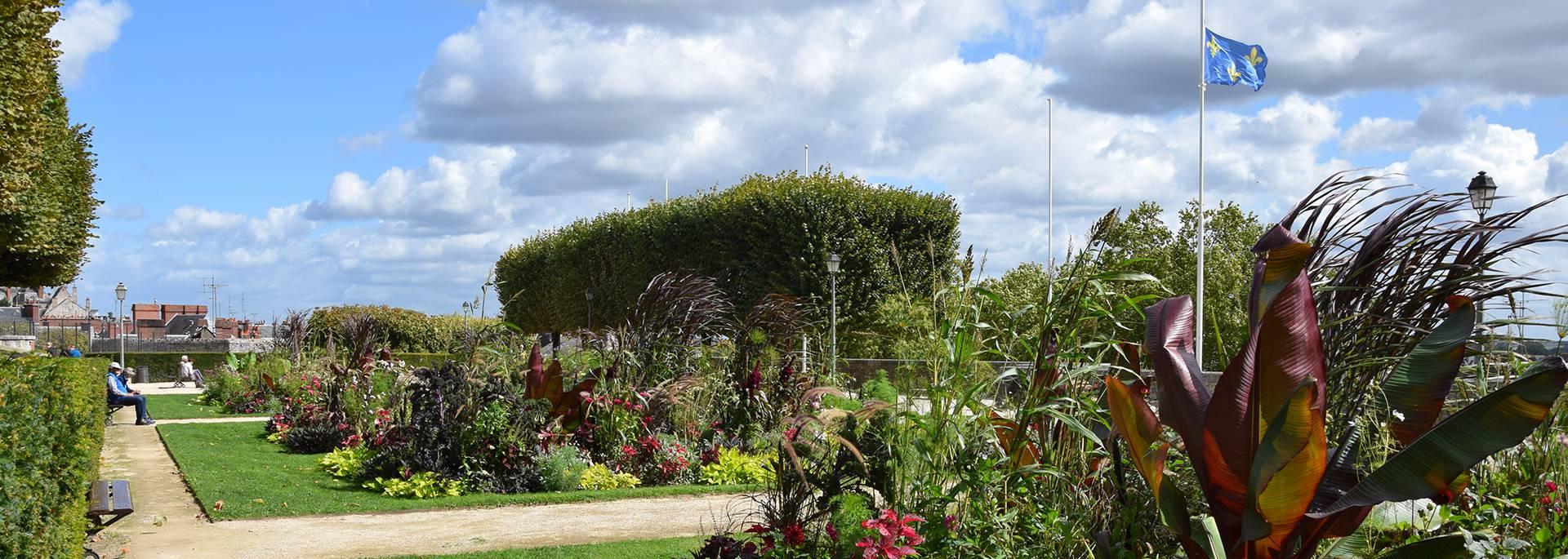 Giardini Saint-Sauveur in estate a Blois