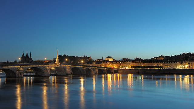 Blois da notte © L. de Serres