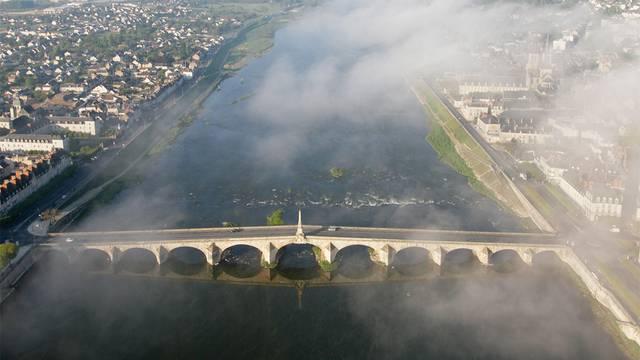 Volo in mongolfiera sopra il ponte di Blois