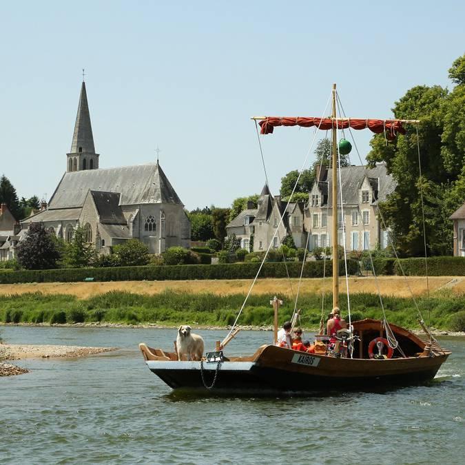 Barca a poppa larga a Montlivault