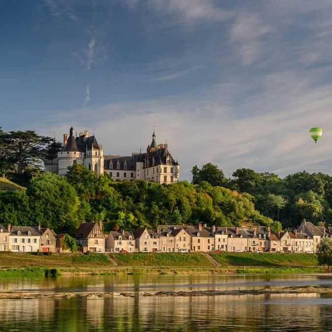Il castello di Chaumont-sur-Loire visto dal fiume