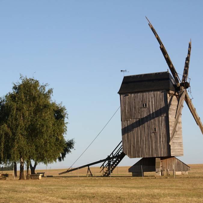 Beauce, Valle della Loira, mulino a vento di Maves