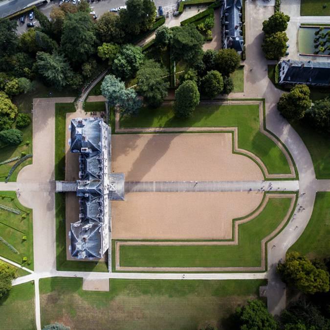 La tenuta del castello di Cheverny vista dal cielo