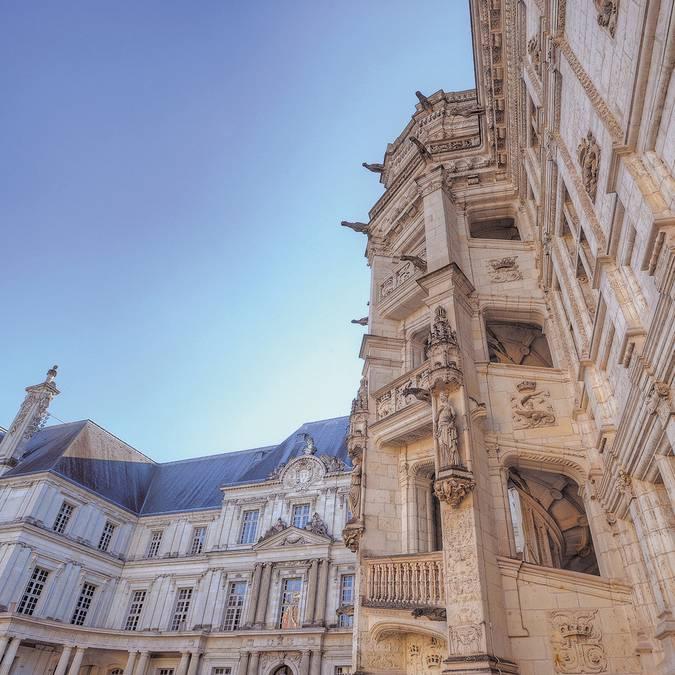 Scalinata Francesco I del castello reale di Blois © L. de Serres