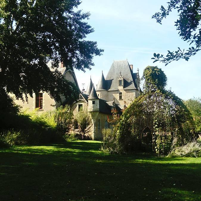 Il castello di Fougères-sur-Bièvre e il suo giardino © OTBC